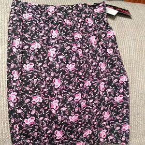 Betsey Johnson pink floral pencil skirt